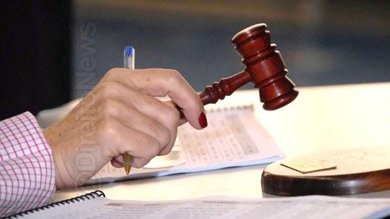 incide prescricao procedimento administrativo paralisado anos